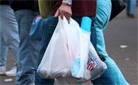 الحكومة تمنع انتاج واستيراد وتداول الاكياس البلاستيكية